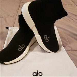 ALO Velocity Knit Sneaker